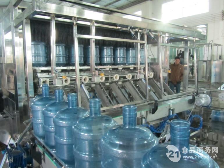全自动桶装水灌装机刷桶机,刷桶拔盖机矿 .