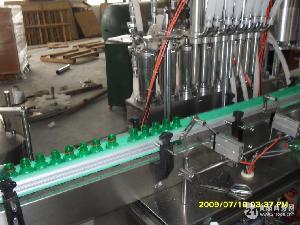 8头液体灌装机