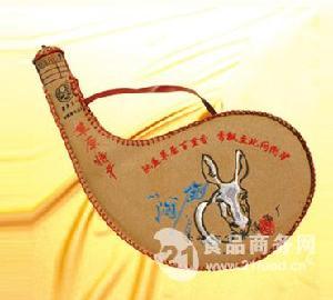 皮壶奶酒D-06 马奶酒62%vol 1500ml 15瓶装