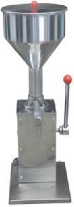膏体手压小型灌装机 手动液体定量灌装机 *的膏体/液体灌装机