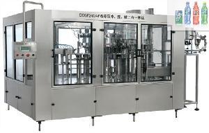 碳酸饮料三合一灌装机组